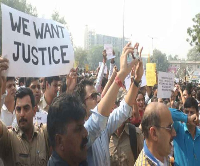 Tis Hazari Violence: Protest called off after 11 hours of high drama | As it happened
