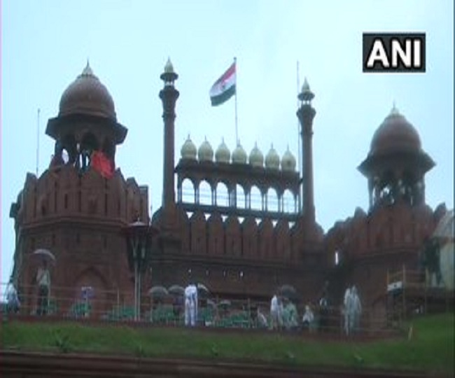 Independence Day 2020: Full dress rehearsals held at iconic Red Fort in Delhi amid COVID-19   Watch