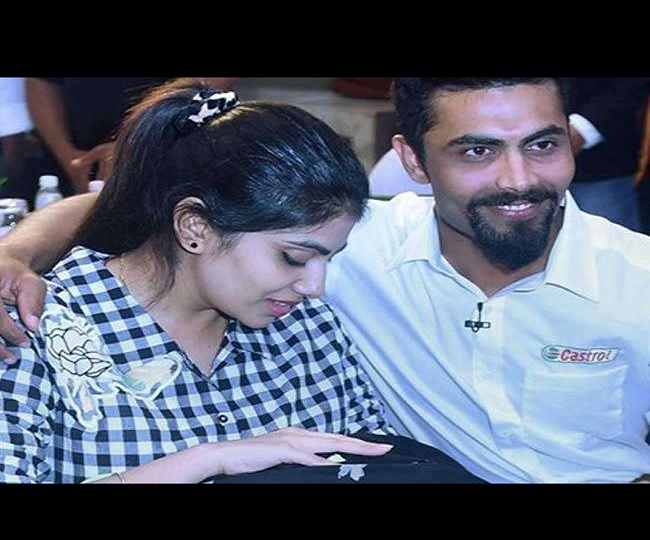 Ravindra Jadeja's wife Rivaba gets into heated argument with police after being stopped for not wearing mask