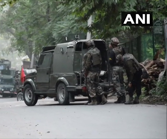 J-K: 3 terrorists killed, 1 soldier martyred in Pulwama encounter; arms and ammunition recovered