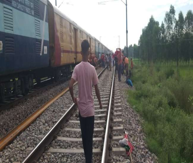 Major train mishap averted in UP; man waves his red underwear to signal broken rail track