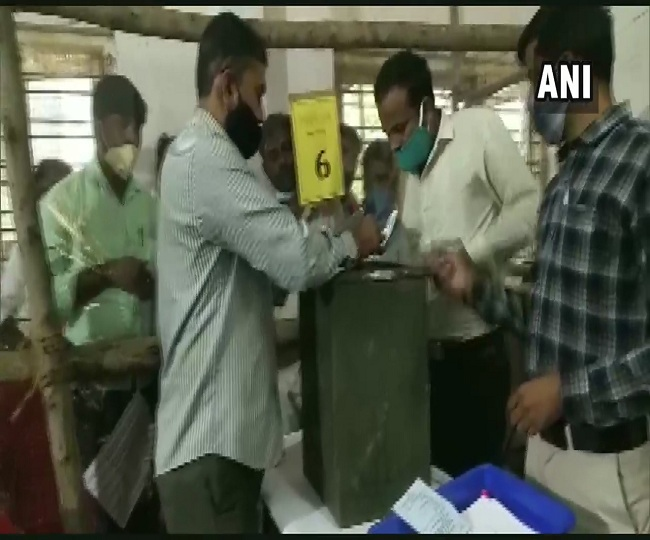 LIVE Karnataka Gram Panchayat Election Results: BJP races ahead with leads on 7,940 seats; Cong ahead on 5,586