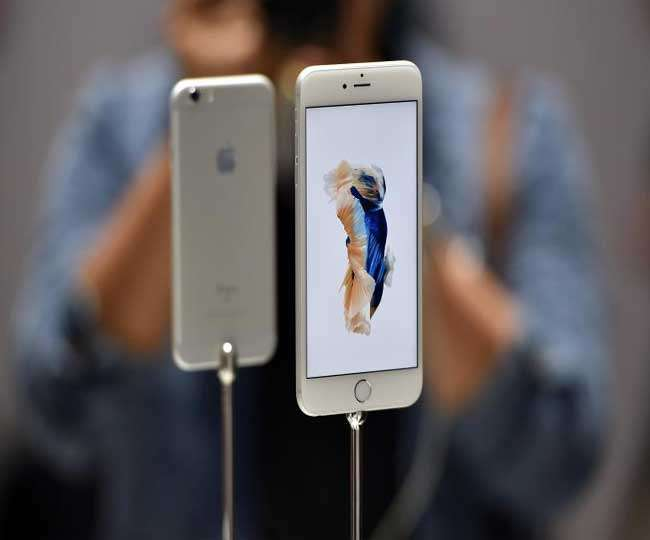 Apple Shares Gain on Report of iPhone Manufacturing Increase