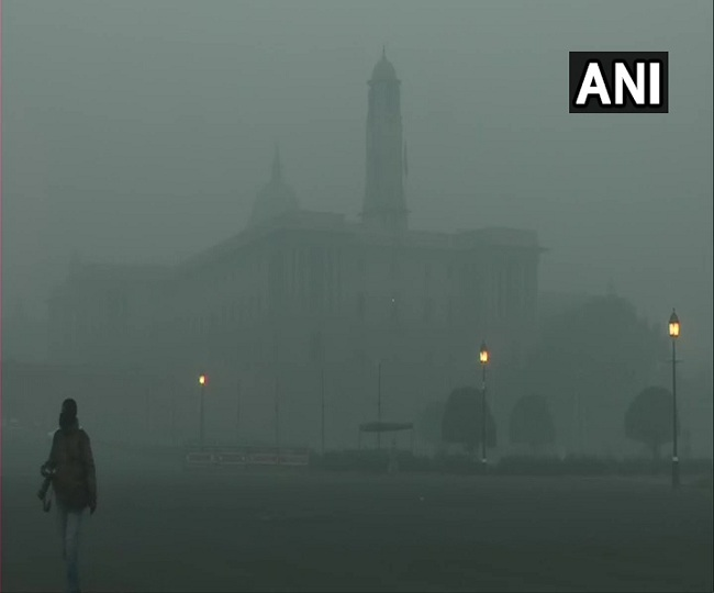Delhi Weather Updates: Dense fog engulfs NCR, air quality dips to 'severe' zone; cold wave to continue for next 3 days