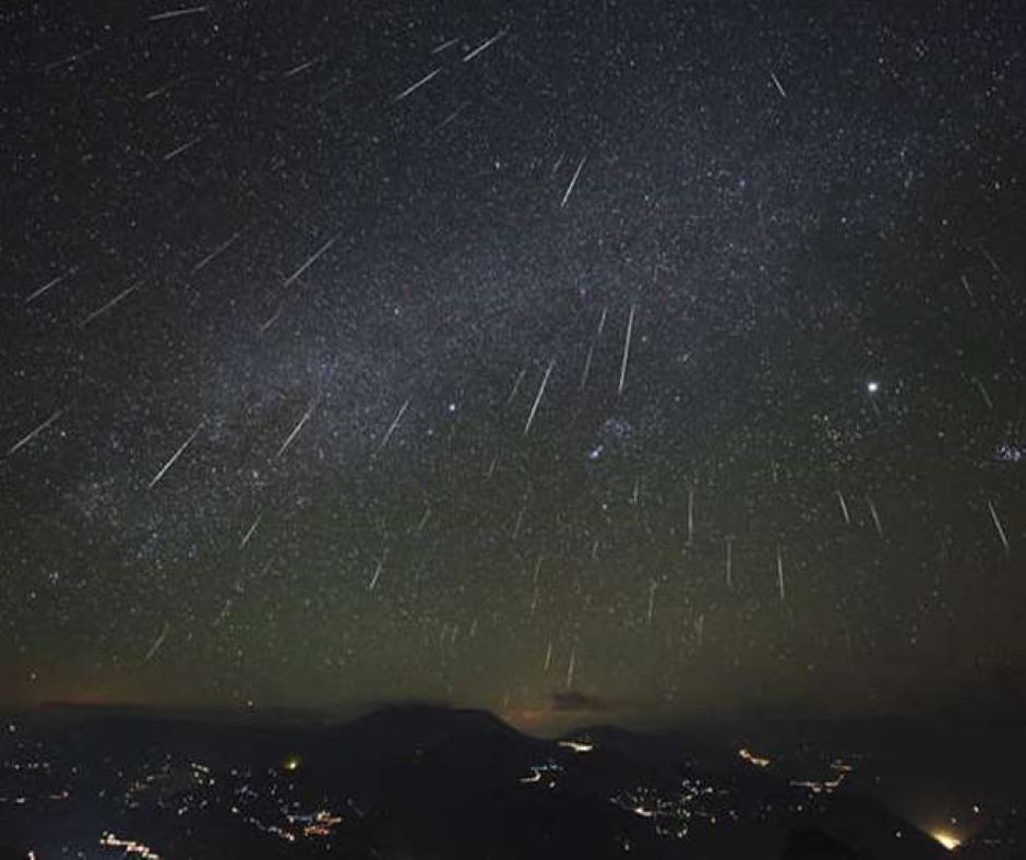 Spectacular Meteor Shower to Happen Sunday Night