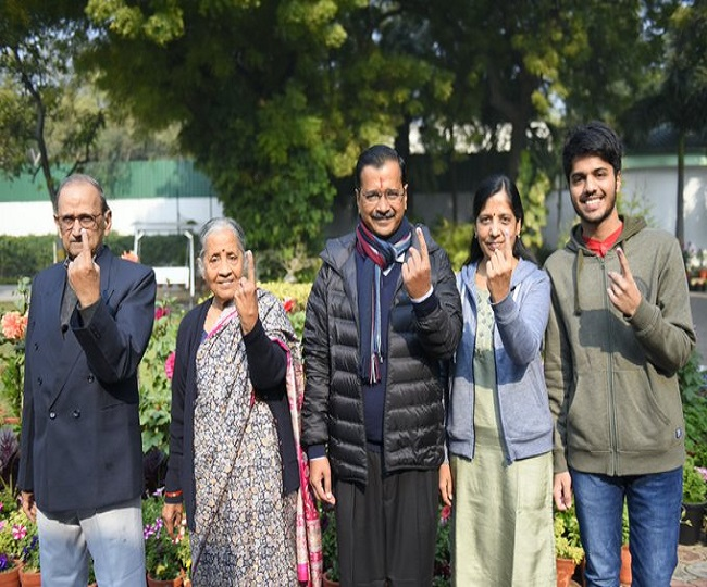Delhi Assembly Elections 2020 | From President Kovind to Kejriwal to Sonia Gandhi, political leaders who exercised their right
