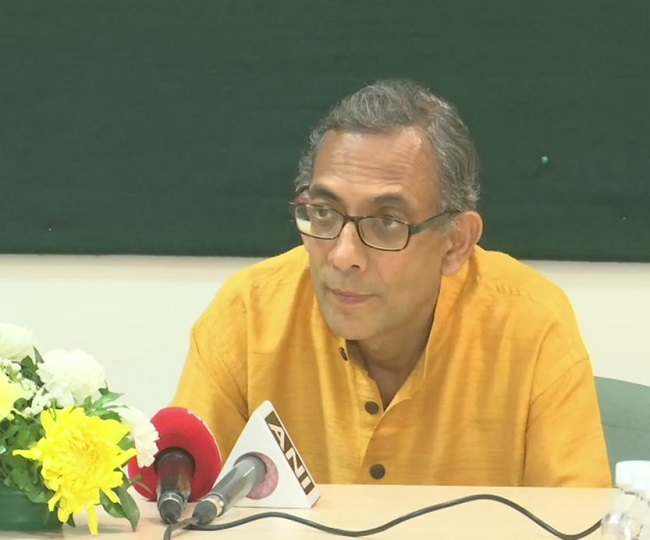 Union Budget 2020 | 'Fiscal deficit breached by a huge margin, won't support tightening it': Nobel laureate Abhijit Banerjee