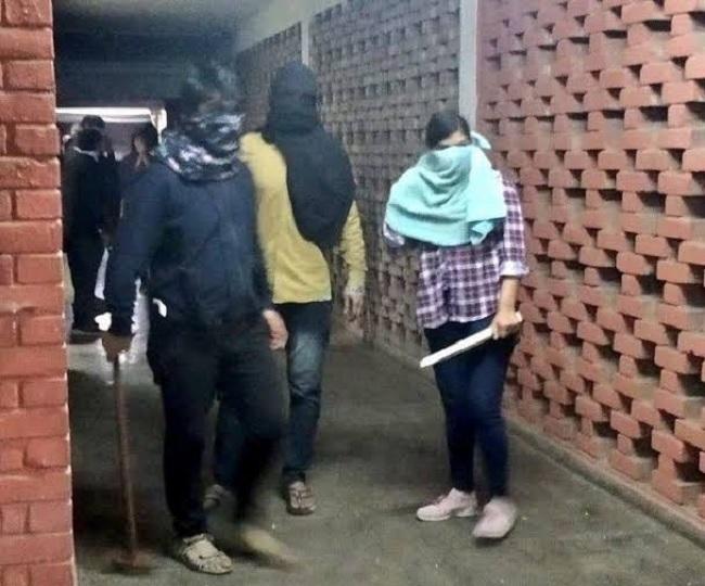 'Being framed': JNU attack suspect Komal Sharma writes to NCW denying her link with violence
