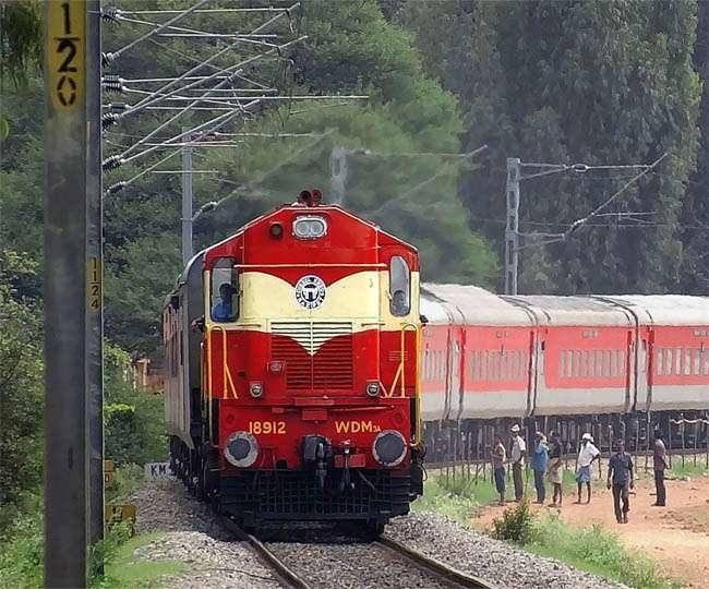Coronavirus Pandemic: Indian Railways cancels all passenger trains till March 31, check details inside