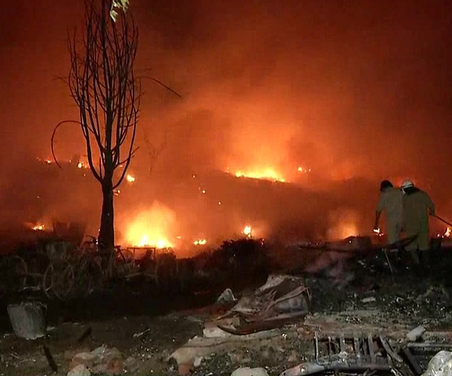Over 1,500 shanties destroyed as massive fire breaks out in Delhi's Tughlakabad, no casualty reported