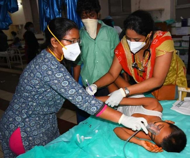 Vizag Gas Leak: 11 dead, over 800 hospitalised, around 5,000 fall sick; CM Reddy orders probe