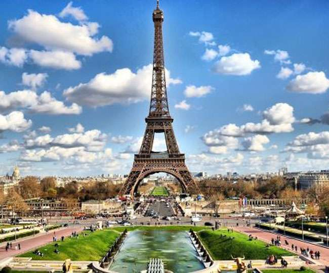 Up for sale! You can now buy a piece of Eiffel Tower's original staircase; know estimated price and other details here