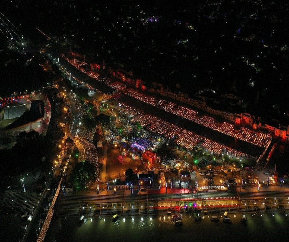 606,569 lamps were lit during Ayodhya Deepotsav 2020, was world's largest display of oil lamps