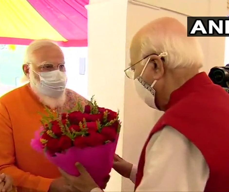 'An inspiration to millions': PM Narendra Modi wishes LK Advani on his 93rd birthday