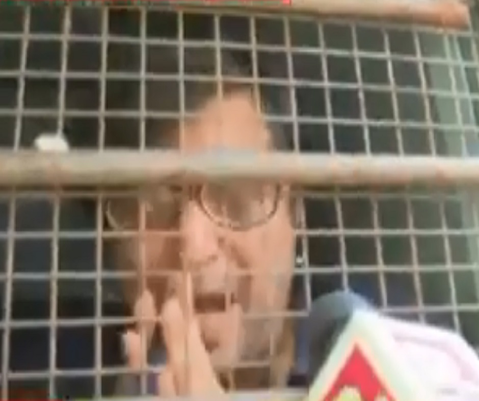Arnab Goswami Arrest: Journo shifted to Taloja jail for using mobile phone while in judicial custody