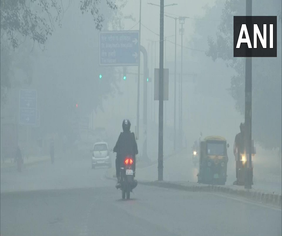 Delhi's Air Quality Turns 'Severe'; Firecrackers Add to Misery