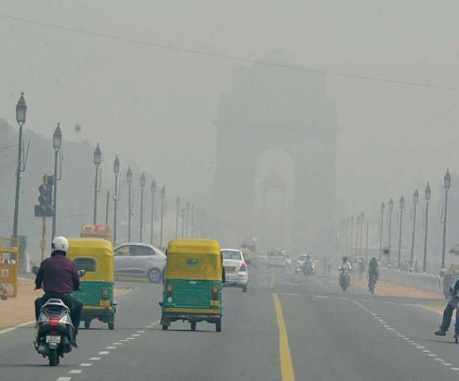 Delhi Air Pollution: Delhiites gasp for breath as air quality turns 'severe', likely to deteriorate on Diwali