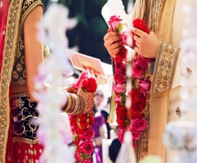 Delhi govt limits number of guests for marriages from 200 to 50 amid current spurt in coronavirus cases