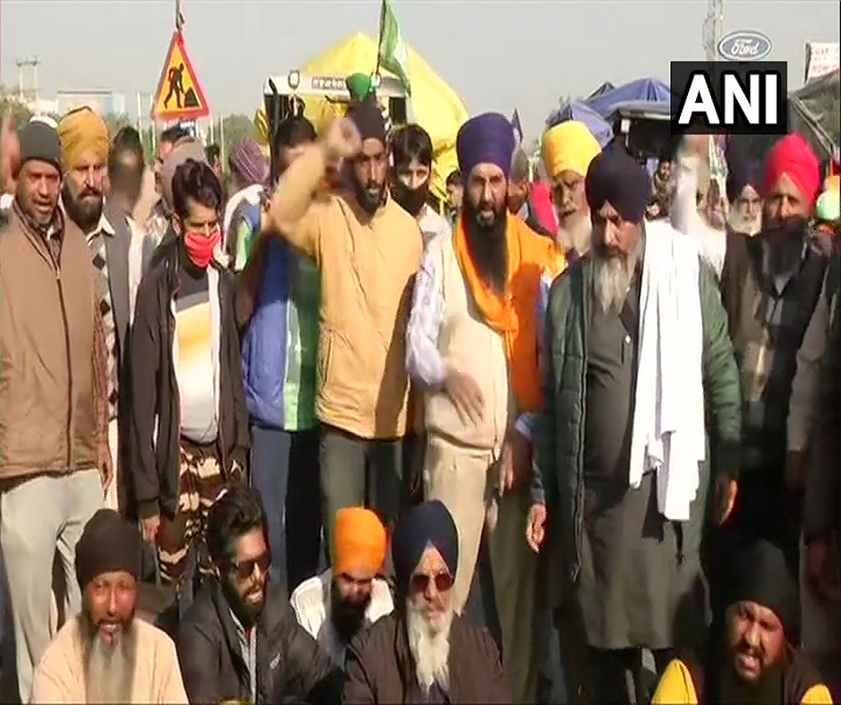'Delhi Chalo' March: Farmers allowed to enter Delhi at Singhu border, to be accompanied by police