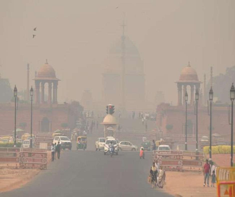 Delhi Air Pollution: Air Quality in Delhi remains in 'poor' category, marginal improvement in AQI