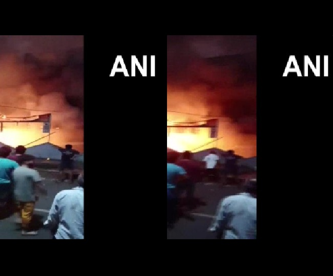 Massive fire breaks out at factory in Maharashtra's Vasai, fire fighters on spot