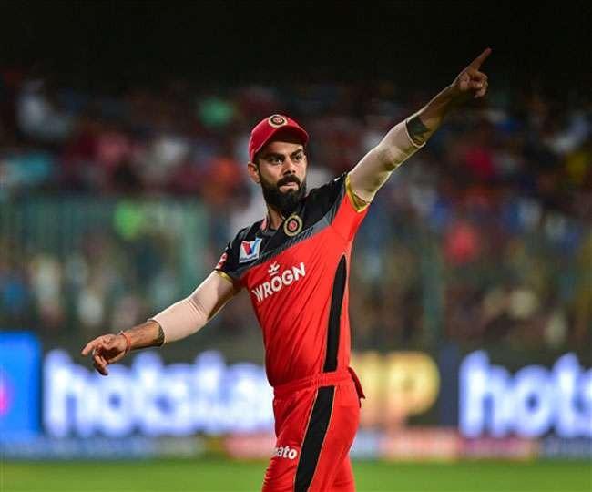 IPL 2020, RCB vs DC: Virat Kohli inadvertently applies saliva on ball, apologises immediately   Watch