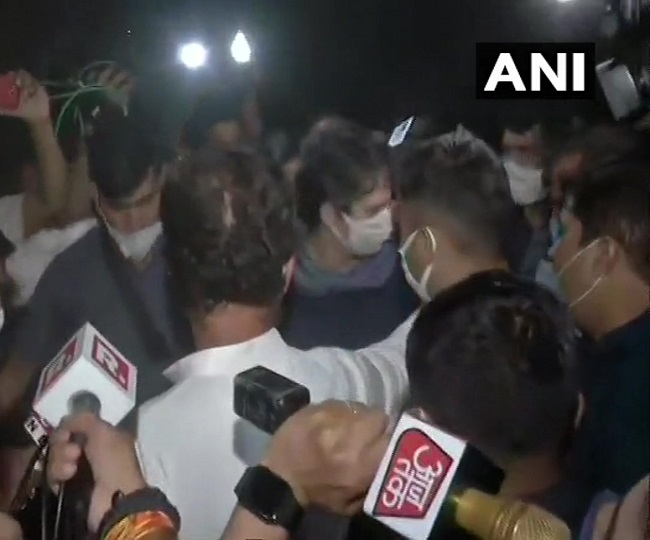 Hathras Case | 'We'll fight till justice is delivered': Rahul Gandhi, sister Priyanka meet victim's family in UP's Boolgarhi