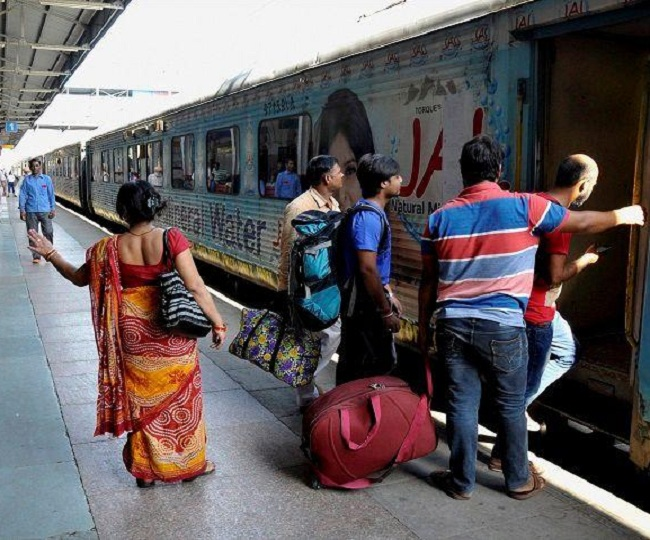 Indian Railways allows passengers to book tickets 5 minutes before departure from Oct 10 | All you need to know