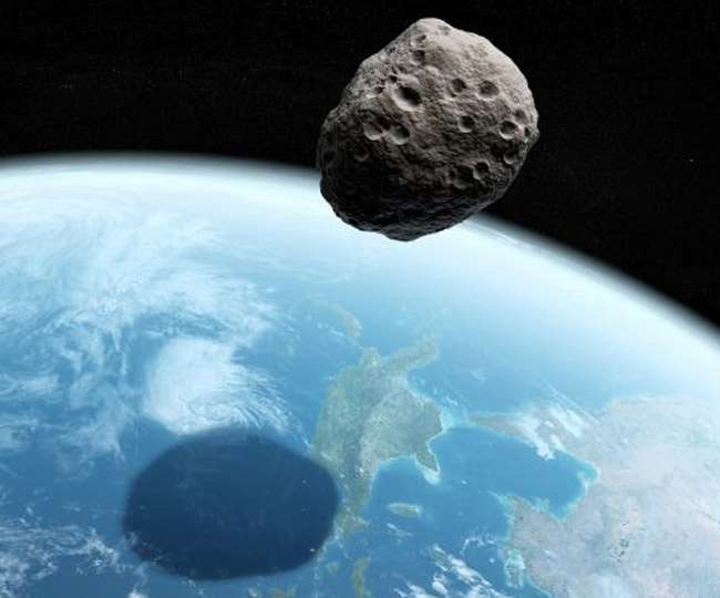 Asteroid to zoom by, duck below satellites