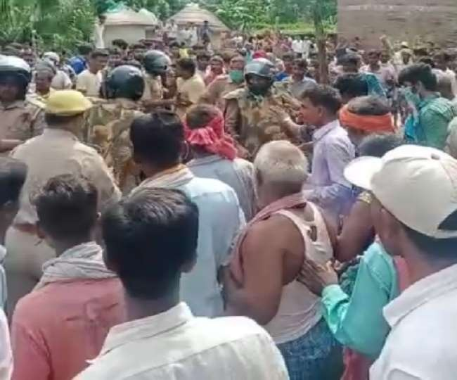 Man, accused of killing teacher, beaten to death by mob in presence of cops in UP's Kushinagar