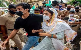 Sushant Singh Rajput Case | Rhea's judicial custody extended till Oct 6, NCB tightens noose around big names in B-Town