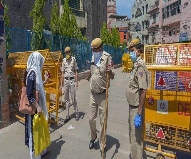 Delhi Weekend Curfew: Violating curfew restrictions may land you in jail; know about the possible consequences