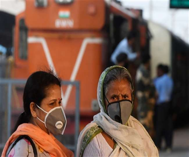 Mumbai women have more antibodies to fight COVID, sero positivity decreasing in slums, shows BMC survey