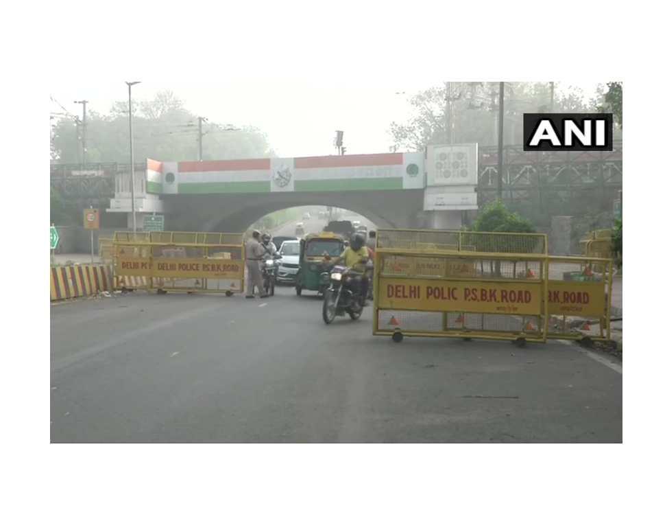 Delhi Weekend Curfew: National capital wears deserted look as curfew brings life to standstill   see pics