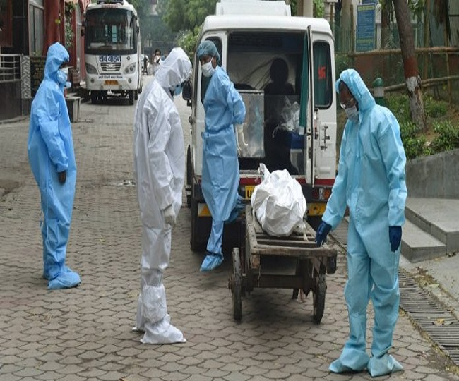 Delhi sees record 24,000 COVID-19 cases; CM flags oxygen shortage, says hospital beds filling up fast