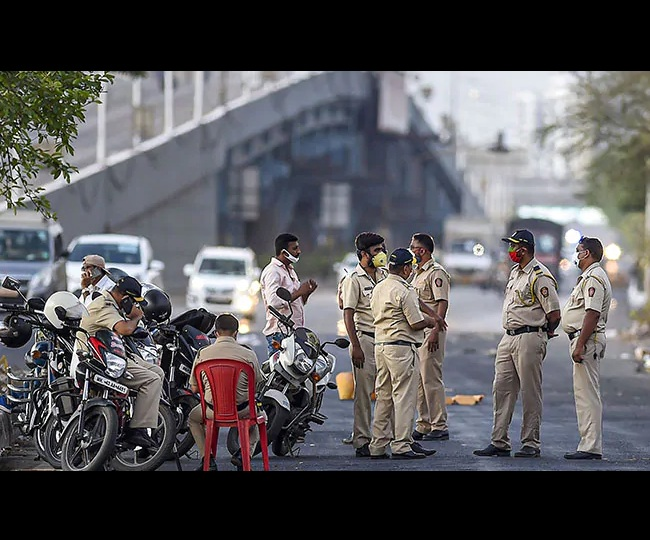 Lockdown in Maharashtra? Thackeray Govt to decide after April 14, new guidelines likely to be announced today