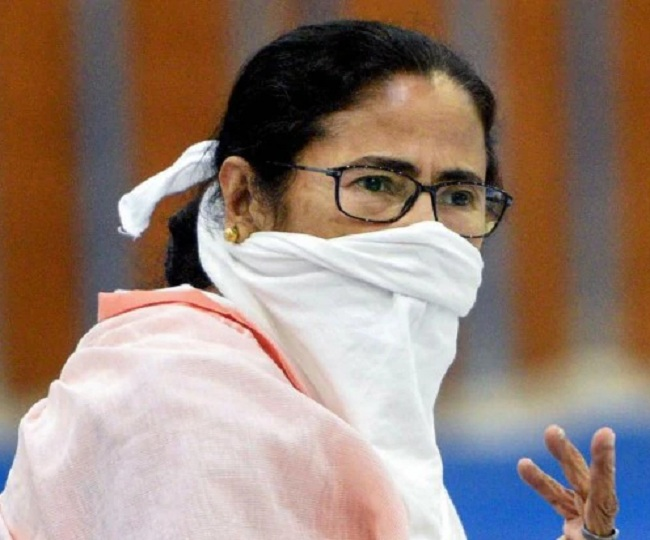 Banned from poll campaigning for 24 hours by EC, Mamata Banerjee to sit on dharna on Tuesday