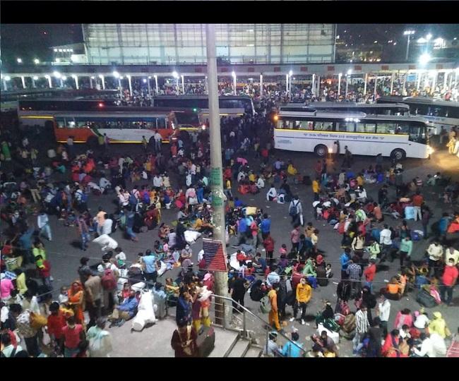 Delhi Lockdown: Thousands of migrant workers head home despite Arvind Kejriwal's 'Main Hoon Na' assurance