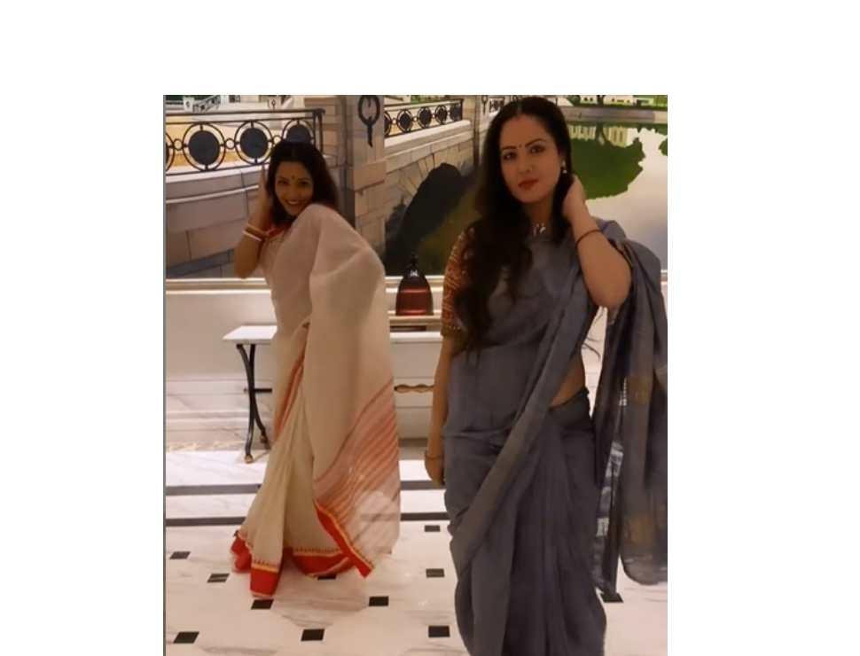 Watch: Monalisa and Puja Banerjee groove on Bengali version of Priyanka Chopra's hit number 'Tune Maari Ghantiyaan'