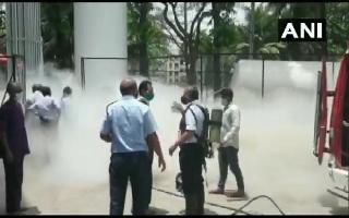 24 COVID patients dead as Oxygen tanker leaks outside hospital in Maharashtra's Nashik causing supply cut | Watch