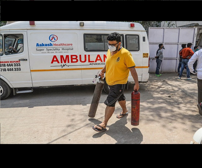 Delhi Oxygen Crisis: Six pvt hospitals run out of O2 stocks, Ganga Ram in 'dire need' of supplies | Latest Updates