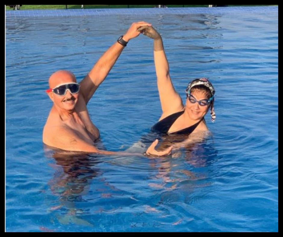 Hrithik Roshan's parents Pinkie Roshan and Rakesh Roshan's cute pool romance will melt your heart