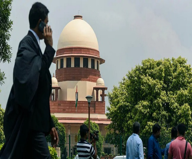 'Keep politics aside and talk to Centre to deal with COVID-19 situation': SC raps Delhi govt