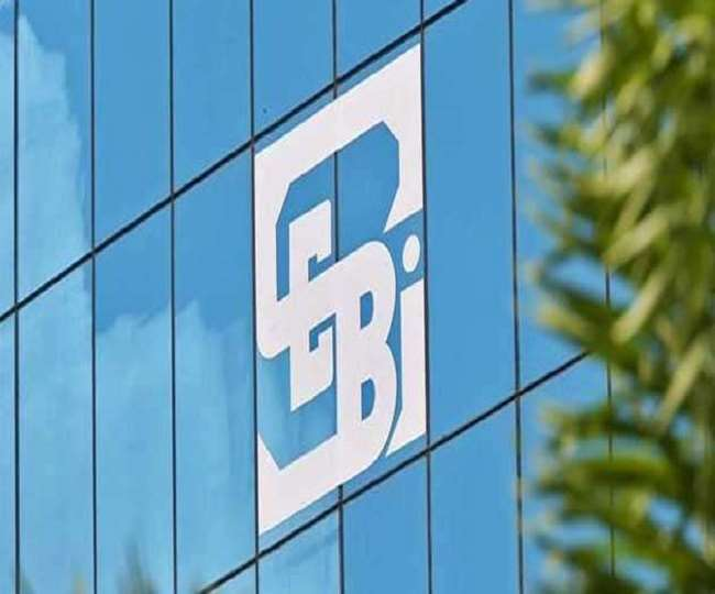SEBI asks listed companies to work towards splitting chairperson, MD/CEO roles before April 2022 deadline