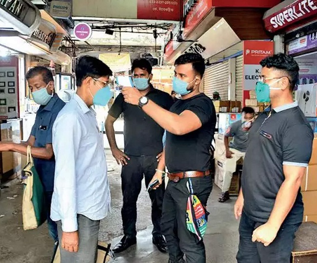 India sees highest-ever spike of 2.17 lakh COVID-19 infections in a day, active cases pushed to 15.7 lakh