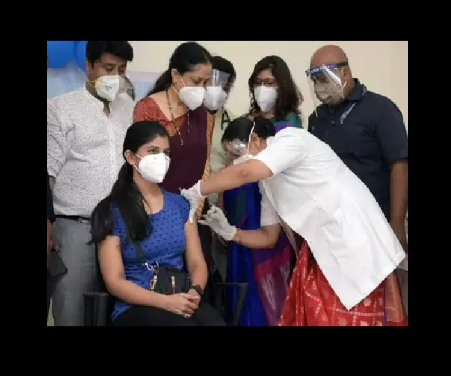 Schools in India to reopen soon? Health Minister urges states, UTs to vaccinate all teachers on priority by September 5