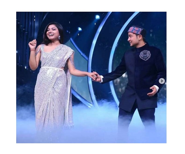 Indian Idol 12's Pawandeep Rajan and Arunita Kanjilal perform romantic duet on Raataan Lambiyan | Watch