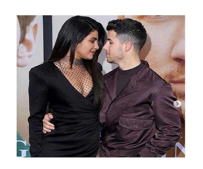Priyanka Chopra's bum turns into hot 'snack' for hubby Nick Jonas; See Pic