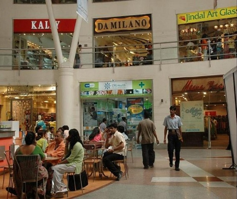Valentine's Week gift for Mumbaikars as BMC allows bars, restaurants to remain open till 1 am
