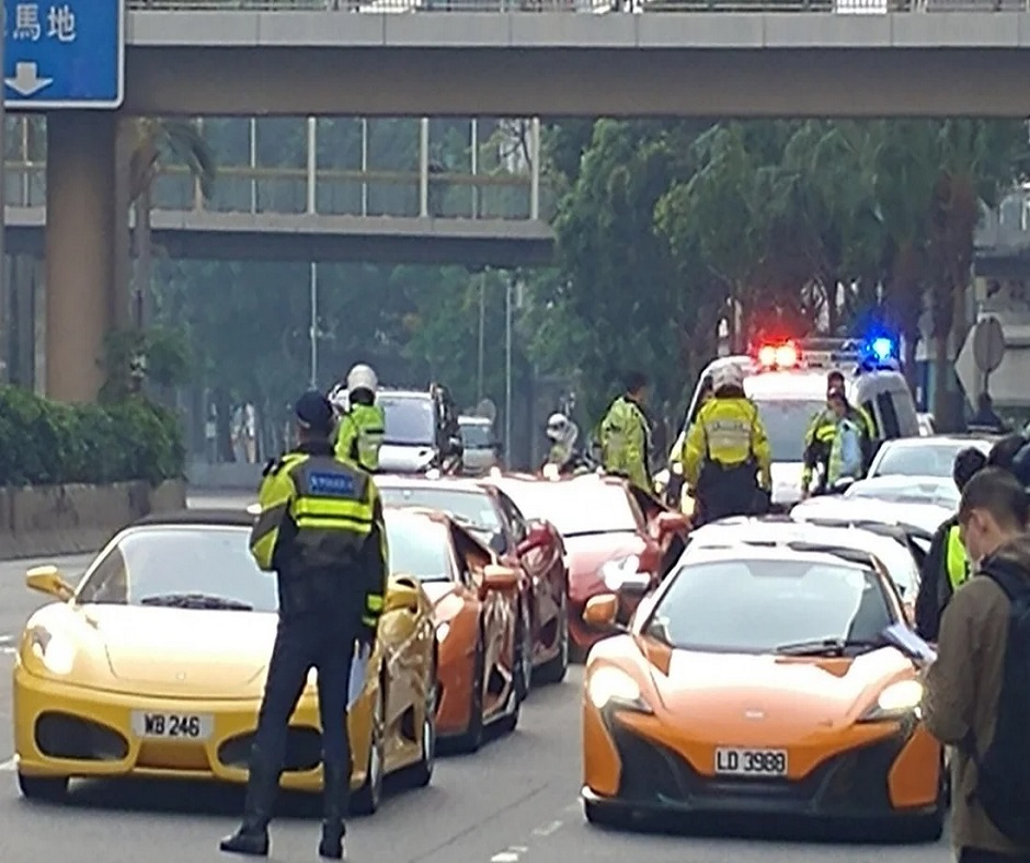 Bizarre! 45 supercars, including Ferraris and Lamborghinis, stopped on roadside in Hong Kong | Watch